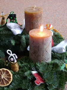 Adventskranz im Afrika-Look