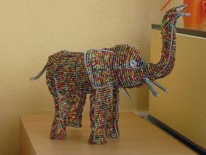 Angebot der Woche: Großer Deko-Elefant aus Draht und Perlen | Afrika ...