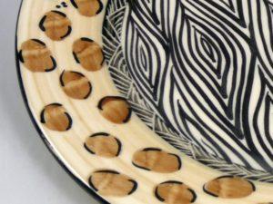 Die Keramik von Julian Keyser wird leider nicht mehr produziert.